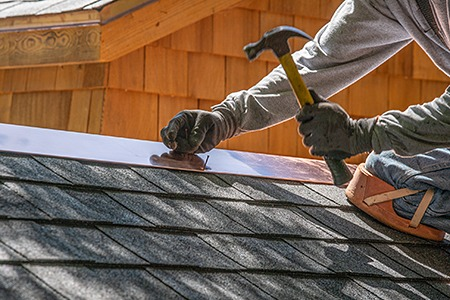 6 Useful Roof Maintenance Tips for Spring